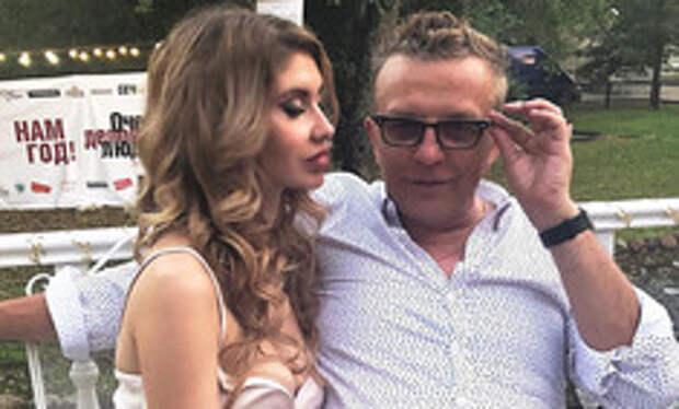«Удар был сильный»: жена Романа Жукова попала в аварию