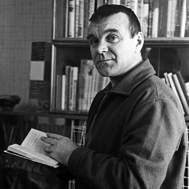 Непокоренный: умер Юрий Бондарев. Писатель-фронтовик не поступался принципами