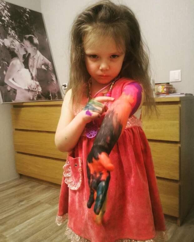 2. Порисовала малышка дети, дети и родители, нашкодили, оставили на 5 минут, смешно, фото