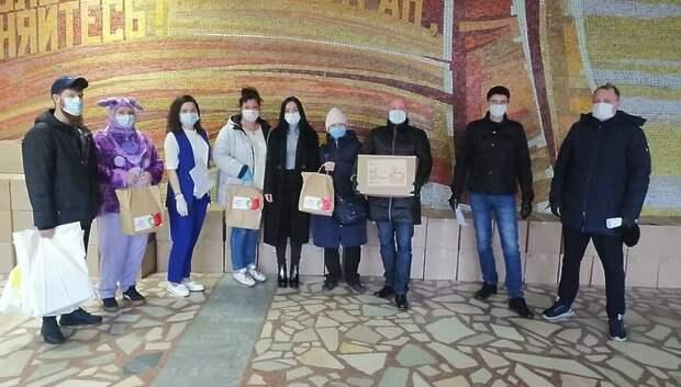 Многодетным семьям Подольска раздали продуктовые и медицинские наборы