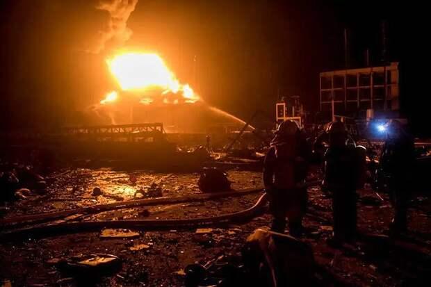 Не менее 11 человек погибли при взрыве газа в Китае