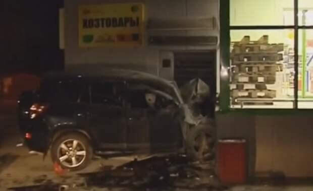 В Подмосковье женщина на Toyota влетела в магазин «Пятерочка», есть жертвы