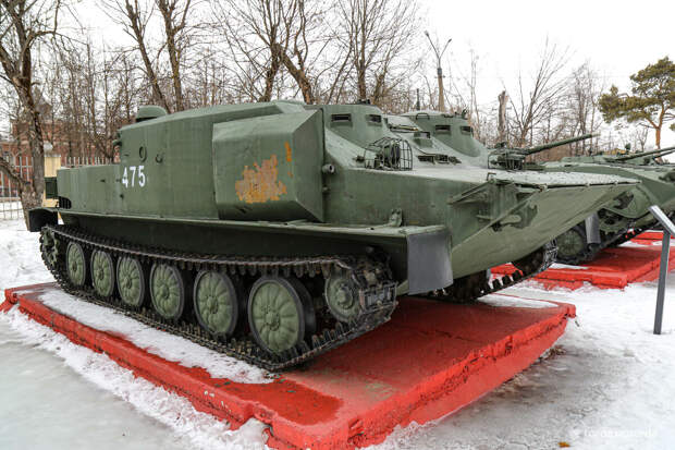 Встретил очень редкий штабной бронетранспортер БТР-50 ПУМ. Рассказываю подробно