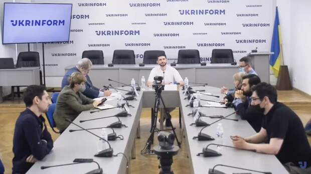 Законопроект Зеленского «О коренных народах» ублажает «меджлис» и добивает Украину