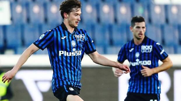 «Аталанта» обыграла «Кальяри» благодаря голу на 90-й минуте, Миранчук сделал голевую передачу