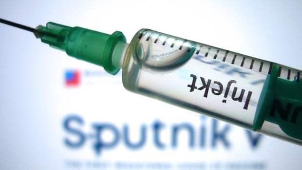 Минздрав России подчеркнул необходимость добровольной вакцинации от COVID-19