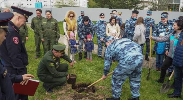В Москве росгвардейцы приняли участие в торжественной акции в честь Дня Победы