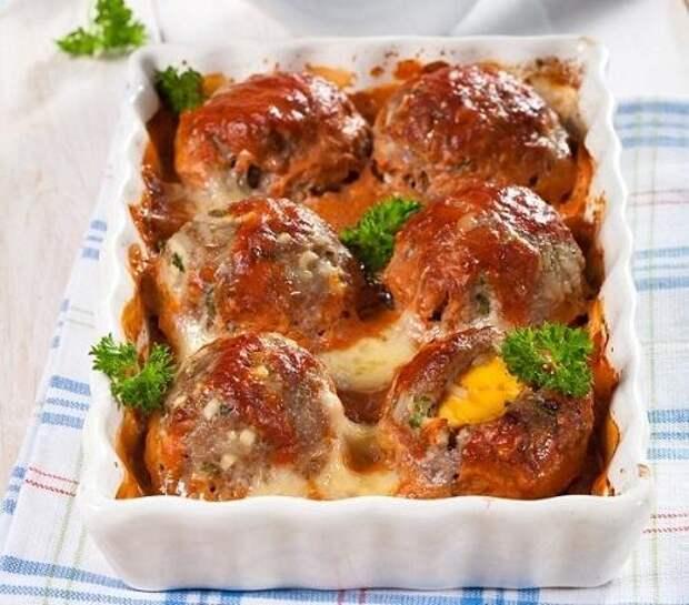 Ежики из рубленого мяса с рисом и яйцом. Фото: Олег Кулагин/BurdaMedia