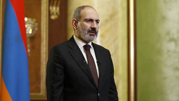 Пашинян Пашинян обратился к Путину за помощью из-за ситуации на границе с Азербайджаном