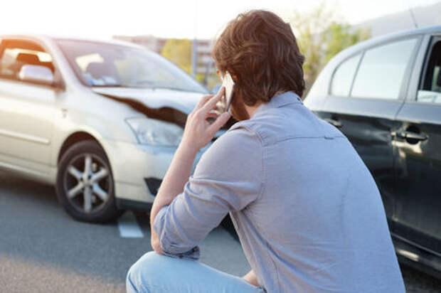 Деньги вместо ремонта: страховщикам закроют путь в автосервисы