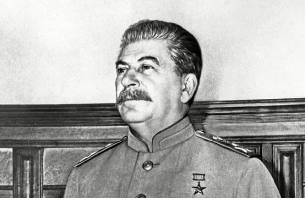 В каких условиях жил Сталин в Кремле