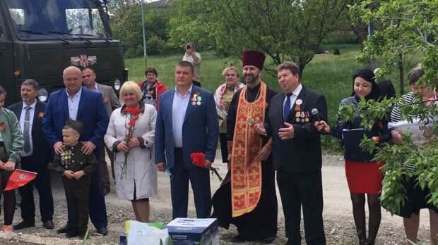 Руководители Белогорского района поздравили ветеранов Великой Отечественной войны с Днем Победы