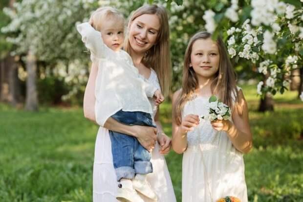 мать и дочери