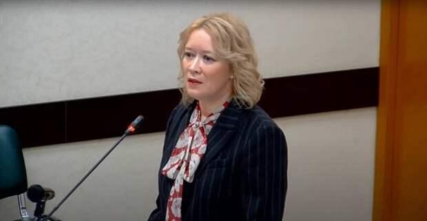 Анастасия Киктева отчиталась о проверках в школах и детсадах после трагедии в Казани