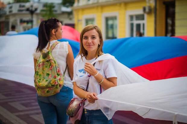 Порошенко пообещал водрузить флаг над Крымом