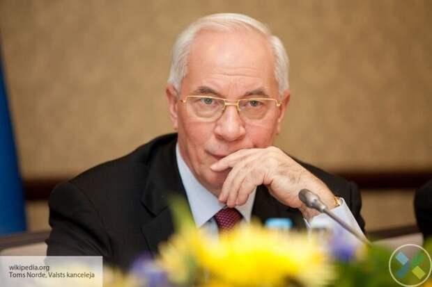 Азаров раскритиковал заявление Кравчука о санкциях против РФ