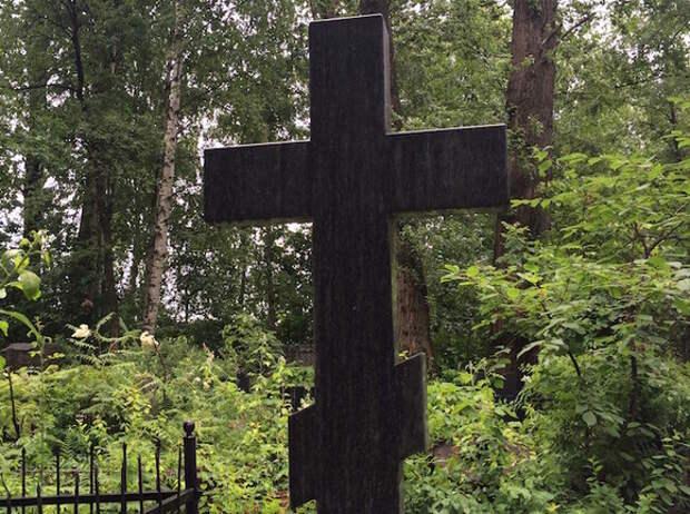 Коробку с «бомбой» нашли на могиле московского кладбища