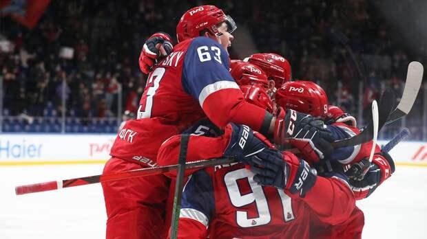«Локомотив» нанес «Торпедо» третье поражение подряд в КХЛ