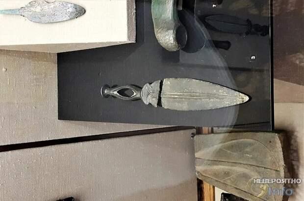 Кинжал из библейского Элама, найденный в Саратове