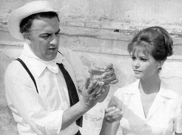 Феллини и Кардинале на съёмках «Восьми с половиной», 1963 год (Cinephilia & Beyond / altfg.com / cinephiliabeyond.org)