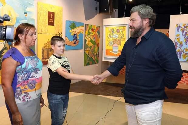 Константин Малофеев встретился осенью прошлого года с погорельцами и поручил правозащитному центру