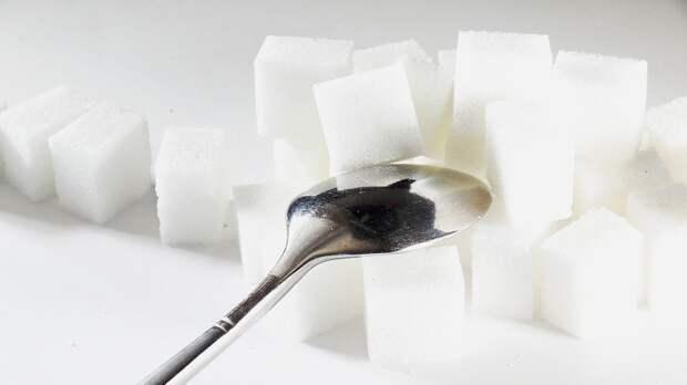 Производителям сахара в РФ рекомендовали удержать цены до октября
