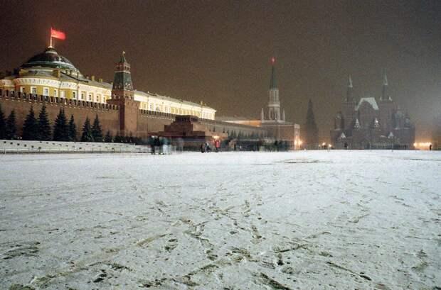 фото 3 Вечер на Краснои площади 25 декабря 1991 года.jpg