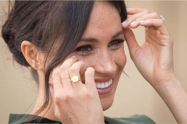 Женские перстни-печатки — новый тренд настоящих аристократок