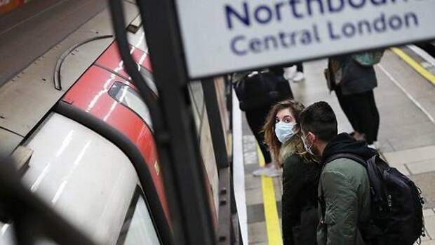 Половина жителей Лондона испытывает дискомфорт при поездках в метро в условиях коронавируса