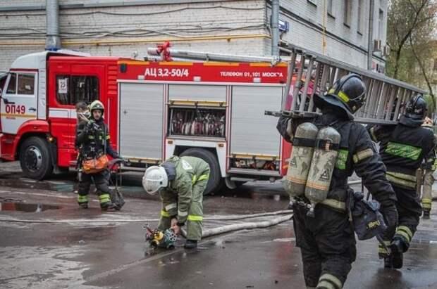 Жертвами пожара в гостинице в Москве стали два человека