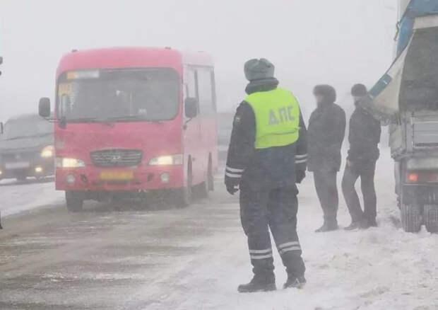 Дороги Удмуртии закрыли для грузовиков и междугородних автобусов