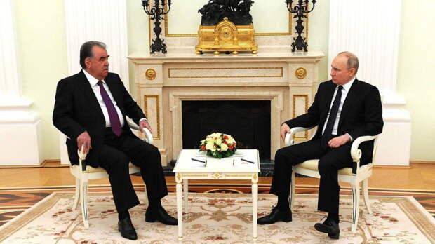 Путин обсудил с главой Таджикистана мигрантов, ситуацию в Афганистане и День Победы