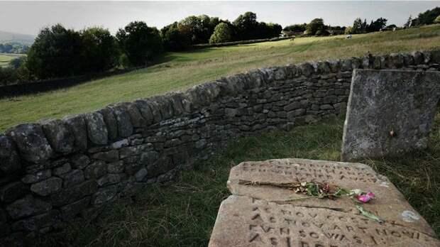 Здесь Элизабет Хэнкок похоронила семерых членов своей семьи