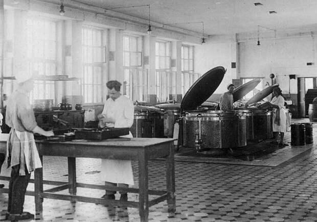 Когда советская власть хотела запретить приготовление еды на кухнях