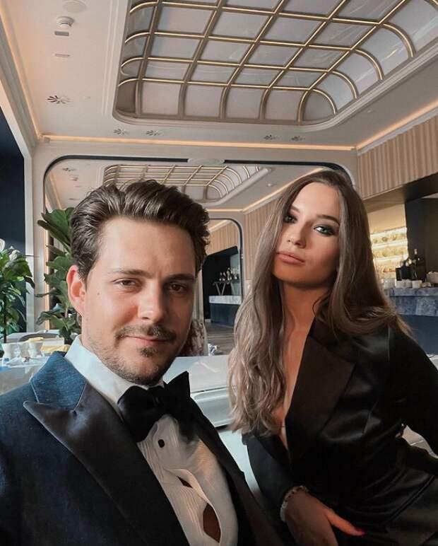 Актер Милош Бикович публично выясняет отношения со своей бывшей девушкой: суть конфликта