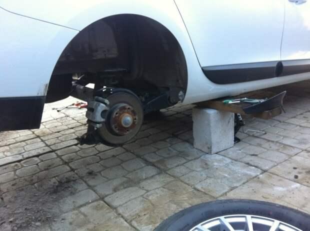 Если гул от колес стал хорошо заметен, необходимо как можно скорее заехать на станцию техобслуживания и провести диагностику ступичных подшипников. | Фото: a.d-cd.net