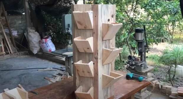 Напольная подставка-башня для цветов своими руками