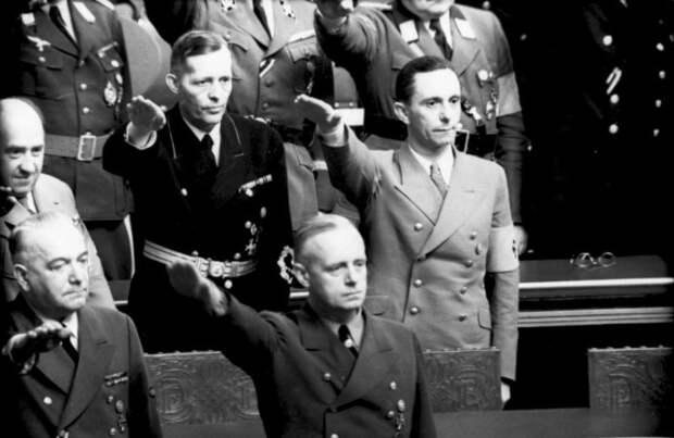 Иоахим фон Риббентроп в Рейхстаге, 1941 год