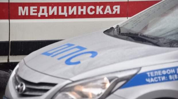 Погрузчик насмерть придавил водителя в Корсакове