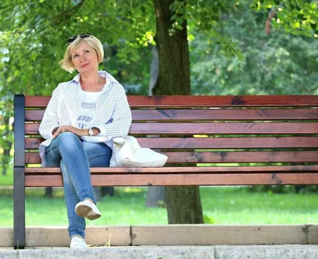 Скамейки в парке Дружбы будут закреплены до конца мая