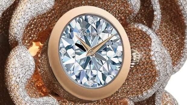 Часы с элементами мозаики