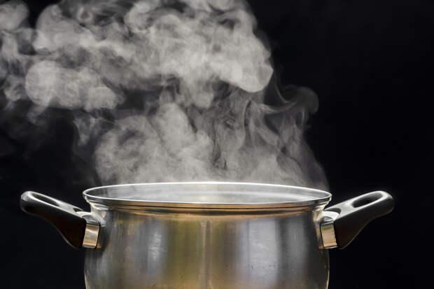 Доктор Комаровский назвал ингаляции горячей картошкой преступлением
