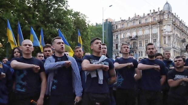 Большинство украинцев капитулирует перед агрессивными националистами