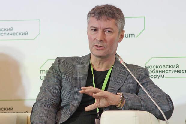 Экс-мэра Екатеринбурга арестовали на девять суток за поддержку Навального