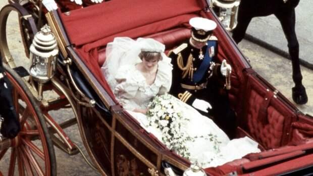 Стало известно, о чем принц Чарльз предупреждал Диану перед свадьбой
