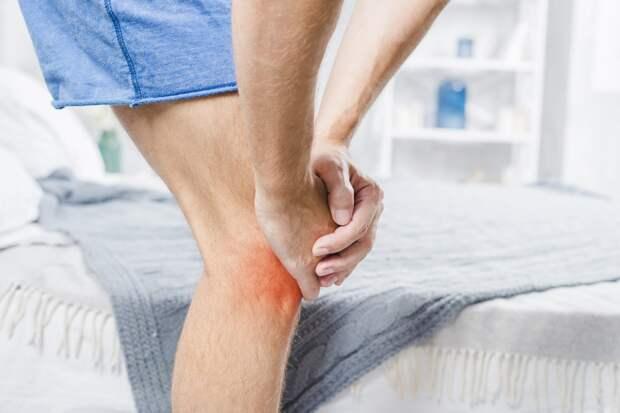 Почему болят колени и как их лечить