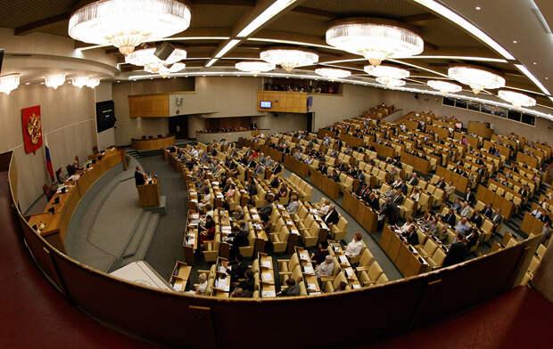 Все же решились: Госдума вводит штрафы до 150 тыс. для чиновников за оскорбления граждан