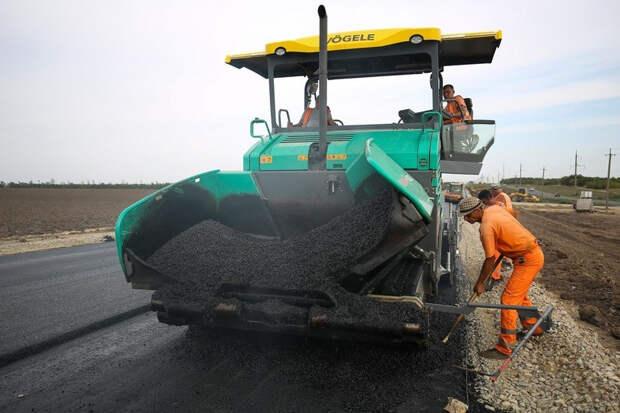 """Росавтодор пообещал покрыть российские дороги """"суперасфальтом"""""""