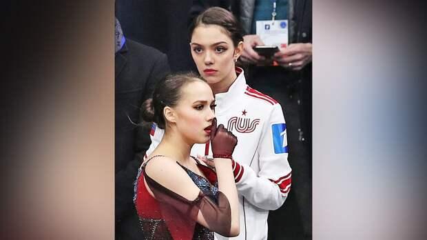 Загитова сделала «бабочку» на тройном флипе во 2-м отделении шоу Тутберидзе, Медведева исполнила 2 тройных