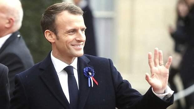 Французские политики поддержали Макрона после пощечины от мужчины из толпы